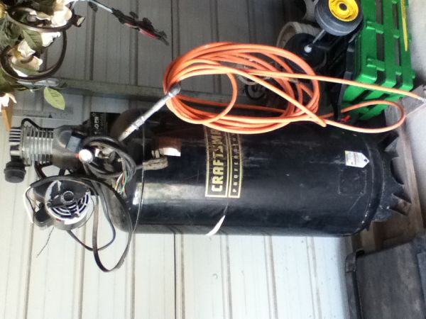 60 GALLON CRAFTSMAN PROFESSIONAL STATIONARY UPRIGHT AIR COMPRESSOR - $450