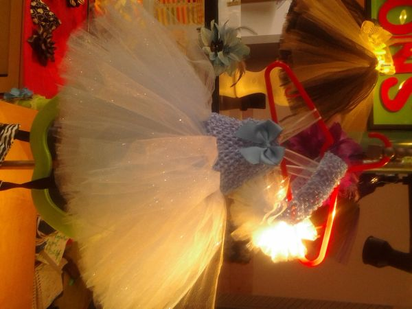 TUTUS AND RIBBONS  - $1530 (el centro mall in pharr)