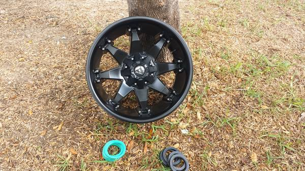 Fuel Deep Dish Octane Wheels 20x12 6lug 5.5 Spacing - $1000 (Edinburg)
