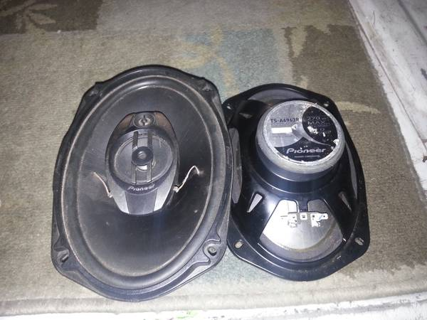 pioneer 6x9 speakers - $25 (edinburg)