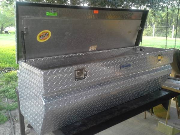FOR SALE BETTER BUILT TOOL BOX - $200