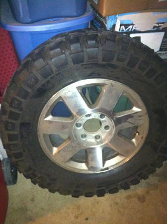 selling king ranch rims with mud tires - $1200 (mcallen tx altontx)