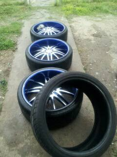 3 22 INCH RIMS WITH 4 TIRES... - $400 (pharr)