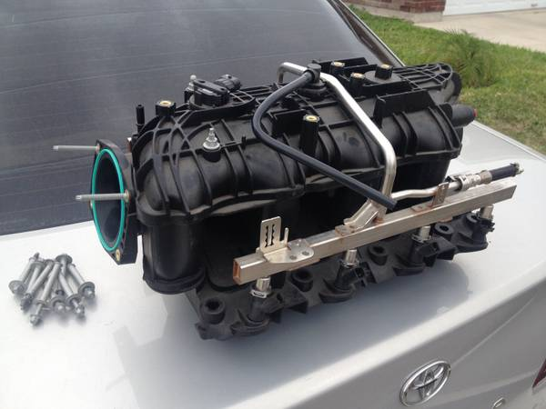 Nnbs intake with fuel rails and injectors - $230 (Pharr tx)