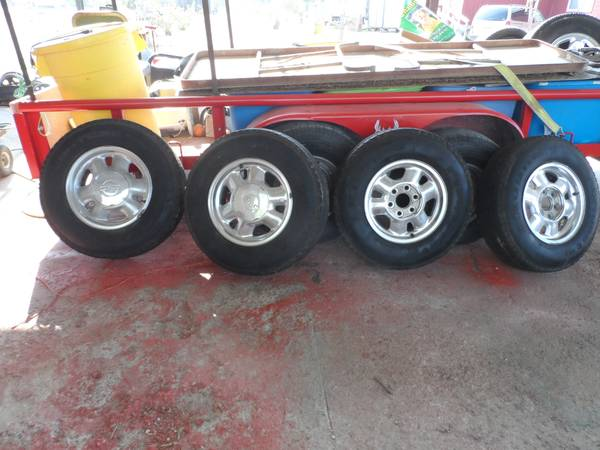 for sale 4 tires w rims size 215-85-16 venture - $230 (Edinburg Tx)