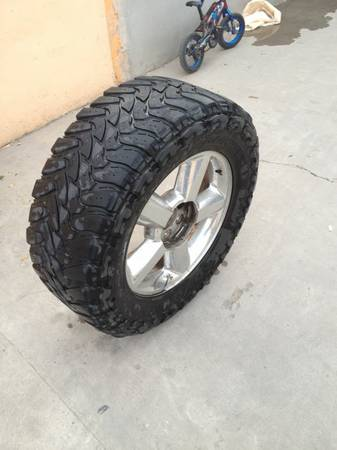 Trade 20 tahoe with tires rims for 20 texas edition with tires - $1200 (Rio grande)