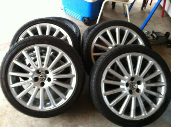 Vw jetta rims r32 for sale 18 - $600 (Weslaco tx)