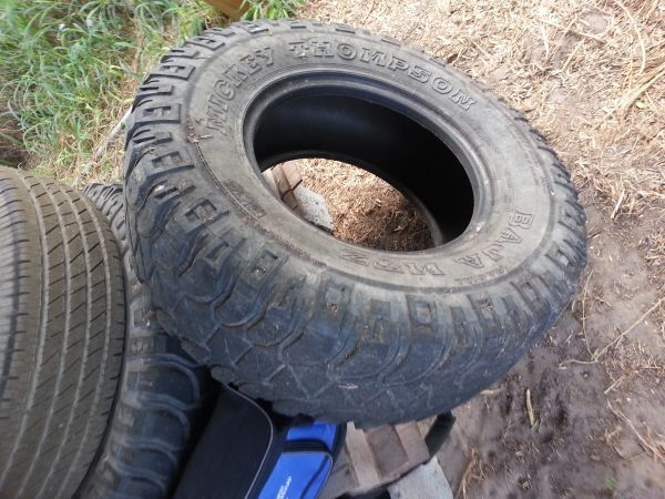 35x12.5 r 17 mud tires mickey thompson only2 - $80 (rgv)