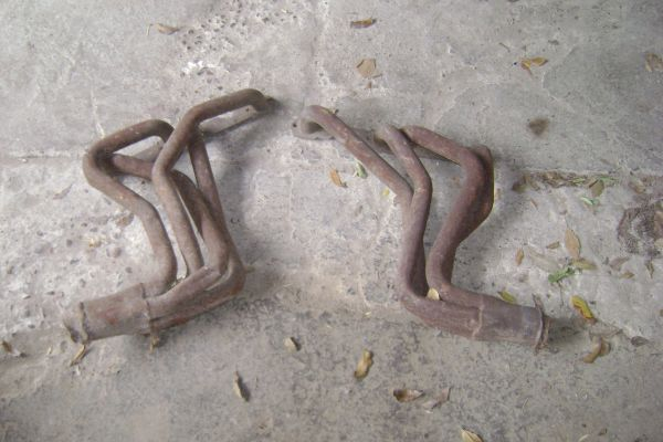 82-92 Chevy Camaro 305-350 headers - $45 (San Juan)
