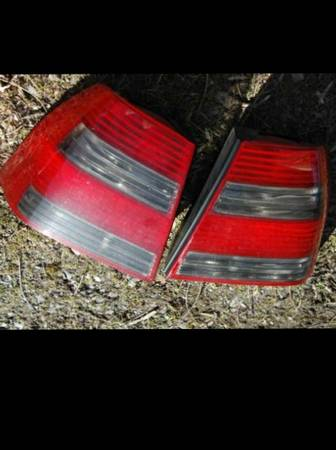 oem gli tail lights mk4 jetta - $100 (mission)