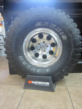 35X12.50X15 SET OF FIVE JEEP RIMS TIRES - $899 (LOPEZ TIRES AND WHEELS)