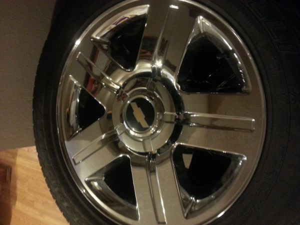 chevy texas edition 5 lug rims 20s - $825 (rgv)