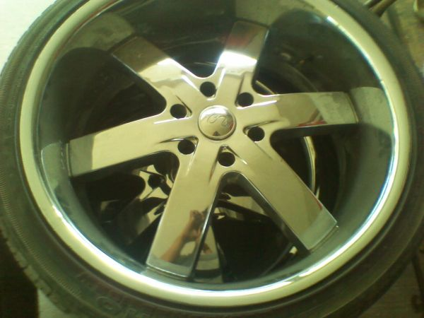 Selling U2 22 rims wtire CHEAP. - $500 (MISSION,TX)