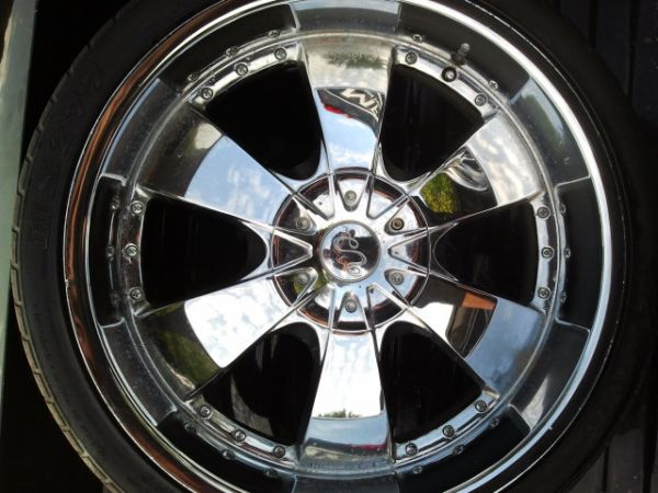 22 Universal U2 Rims with tires - $360 (Edinburg)