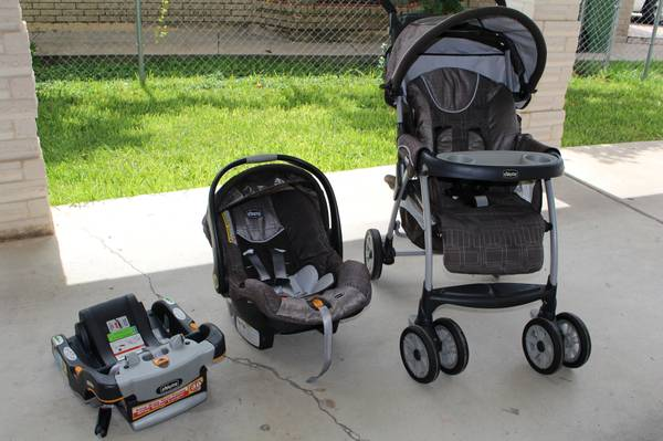 Chicco Cortina Stroller Keyfit 30  Cubes Smoky Brown. Almost New in Mint Condito - $175 (Alamo)
