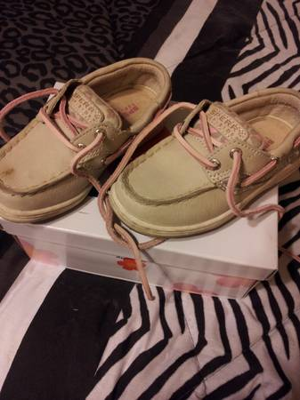 Sperry shoes size 7.5 toddler - $25 (north mcallen)