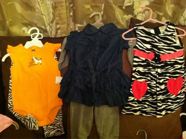 LOTS of baby girl clothes (Alamo)
