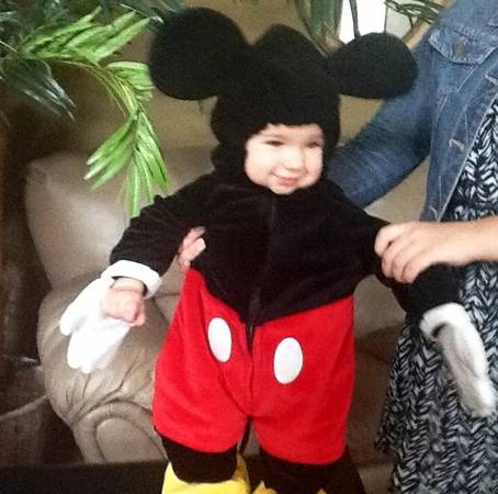 Disney store Mickey Mouse costume 1824m - $15