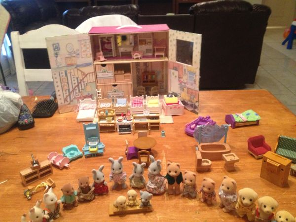 Large lot of Calico Critters of cloverleaf corners - $60 (Mission)