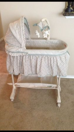 Bassinet - $50 (Sharyland Plantation)