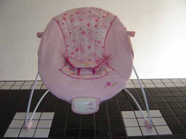 BRIGHT STARTS Bouncer Pink - $10 (Weslaco, Texas)