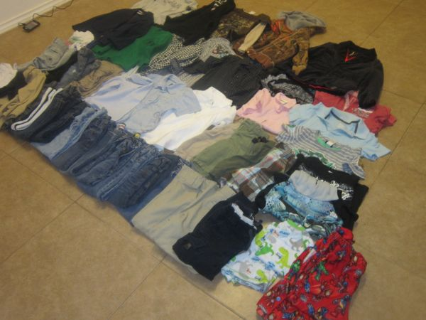 Boys Clothes LIKE NEW 4-5T Gap, Old Navy, HM, Guess Etc.. - $1 (Mcallen, tx)