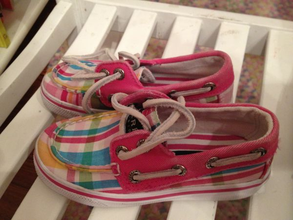 Kids table and girls shoes - $10 (Mission)