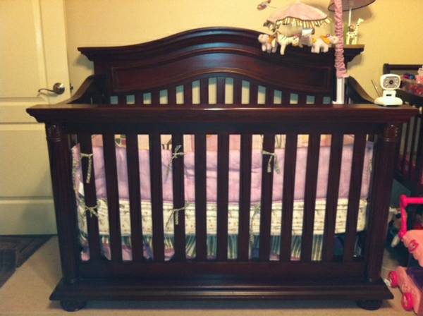 CRIB FOR SALE - $375 (MISSION TEXAS)