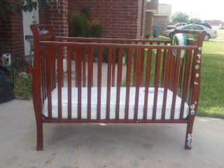 BABY CRIB w SEALY MATTRESS - $65 (Edinburg )