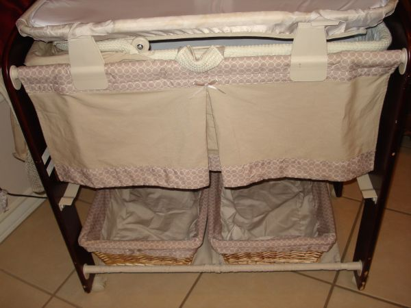 Contours Classique 3in1 Wood Bassinet BABY mini crib moses basket - $75 (HARLINGEN TEXAS)