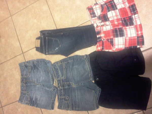 Size 10 lil girl abercombie jeans, old navy skirt, shoes and more - $3 (Elsa)