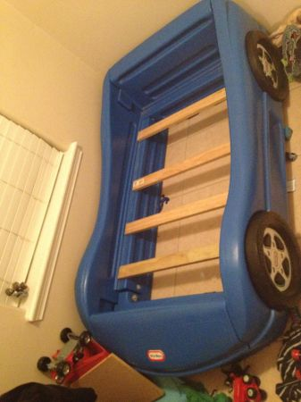 Little Tikes Blue Race Car Toddler Bed - $65 (McAllen)