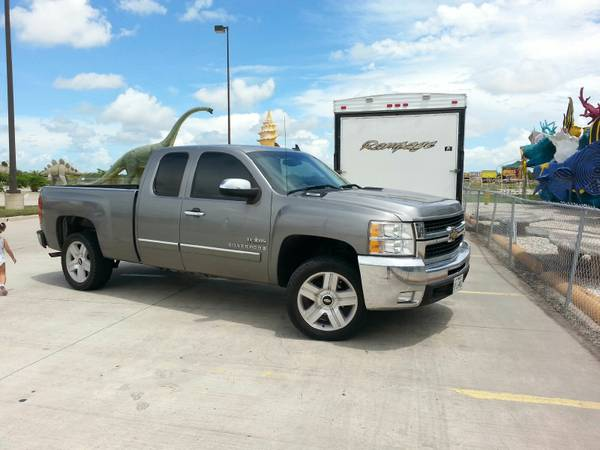 SILVERADO CABINA Y MEDIA 2007 - $11000 (mission tx)