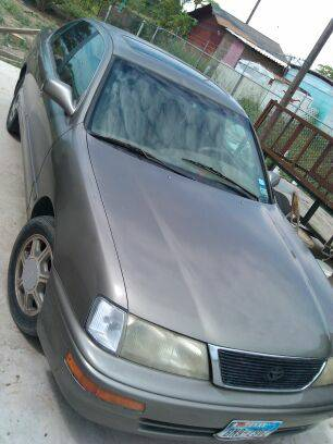 Toyota Avalon for sale or trade - $4000 (Donna)