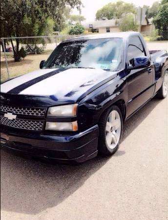 2004 silverado single cab - $10500 (Mission tx)