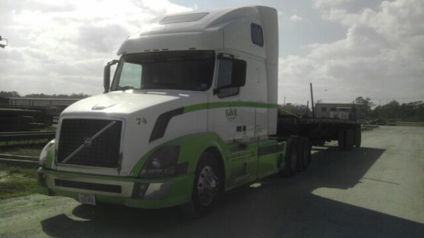 04 volvo 18 wheeler for sale - $37000 (Palmview,Tx)