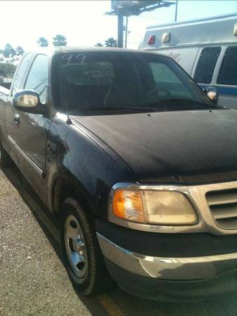 FORD F 150 CABINA Y MEDIA 1999 - $2950 (PHARR)
