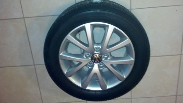 VW Jetta Rims with tires - $600 (rgv)