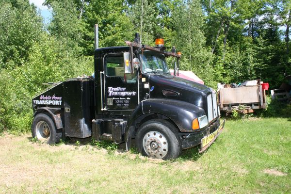 2- Kenworth T300 Mobile Home Toters (Gray, Me) : cars ...