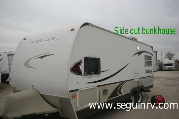 $9,995, 2008 Outback 23RS Travel Trailers