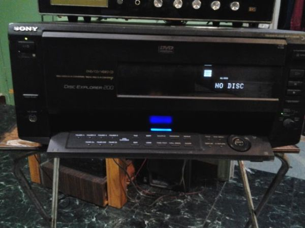 Sony DVDCDVIDEO CD 200 Disc Explorer  - $120 (McAllen, Texas)