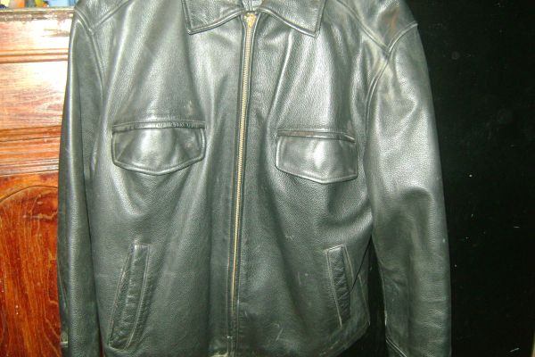 ROUNDTREE  YORKE LEATHER JACKET SIZE M - $40 (SOUTH ALAMO)