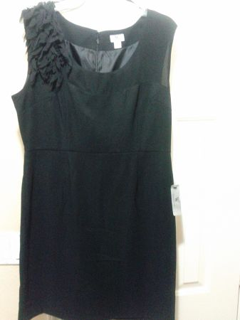 NICE DRESSES FOR MANY OCCASIONS - $15 (Weslaco)