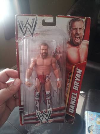 Daniel Bryan autographed action figure -   x0024 100  Mission