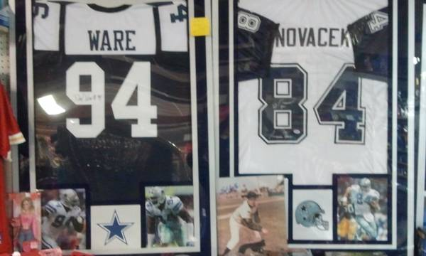 Joes Sports Collectibles (2833 SPID Corpus Christi Trade Center)