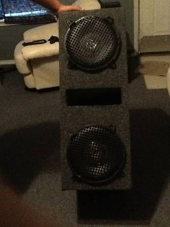10 db drive speed subwoofers with box $200.00 - $200 (Mcallen, tx)
