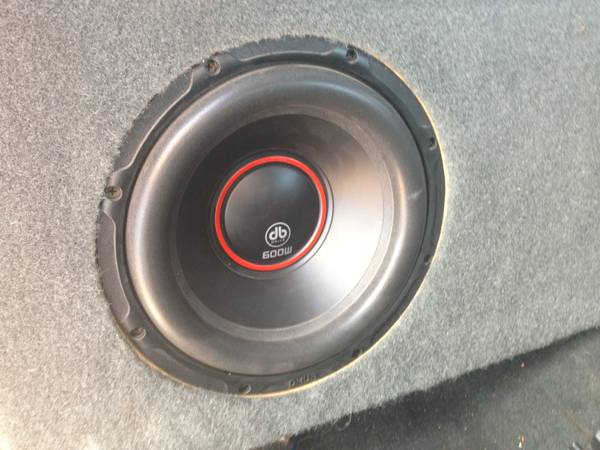 2 db Drive OKUR K1 10D4 10 600 WATT SUBWOOFER WITH SPEAKER BOX - $200 (MISSIONALTON)