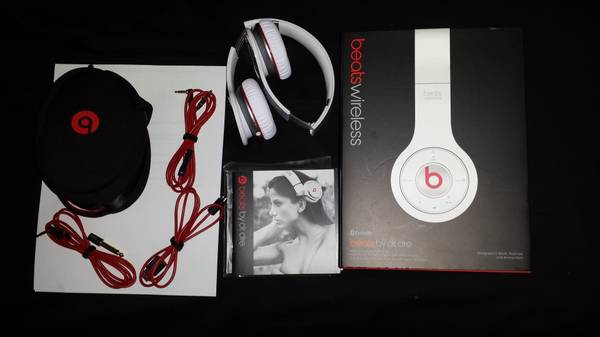 beats wireless (white) - $175 (McAllen)