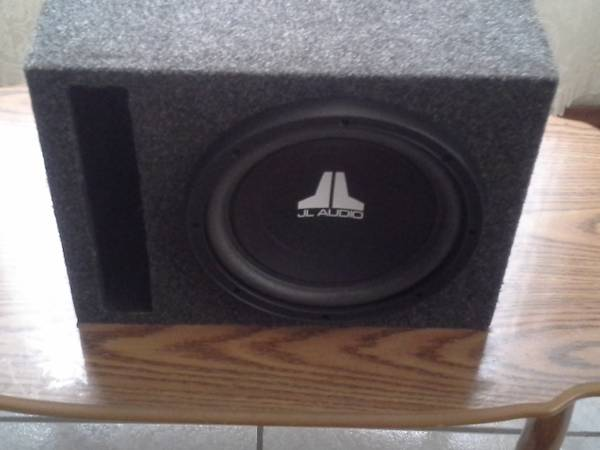 FOR SALE 1 JL AUDIO 10 IN PORTED BOX - $120 (DONNA)