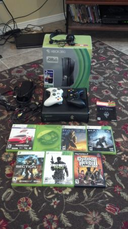 BRAND--NEW--XBOX 360--LOTS MOREMINECRAFT SKYRIM DOWNLOADED - $1 (WESLACO)